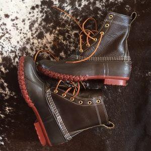 NWOT bison Bean boots